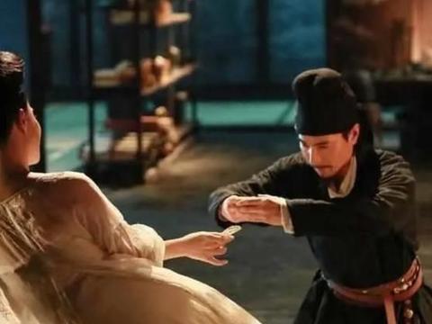 狄仁杰劝诫女皇戒色,武则天却张嘴说:来,你看这是什么