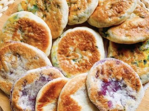 给大家分享韭菜鸡蛋馅饼和香芋紫薯馅饼的做法