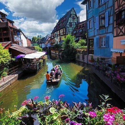 法国最美的童话小镇埃吉谢姆
