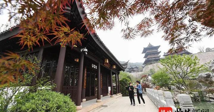 「打卡家乡印记」游于古代园林,淮扬区展园可揽四面群山