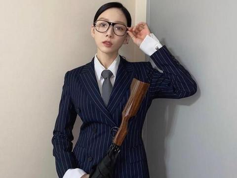 金泰妍神还原王牌特工,太帅了!连女生粉丝都忍不住喊:老公