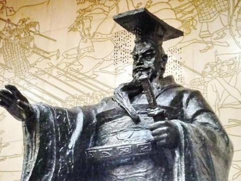 攻灭赵国后秦始皇亲自前往并将与之有仇的人家全部坑杀