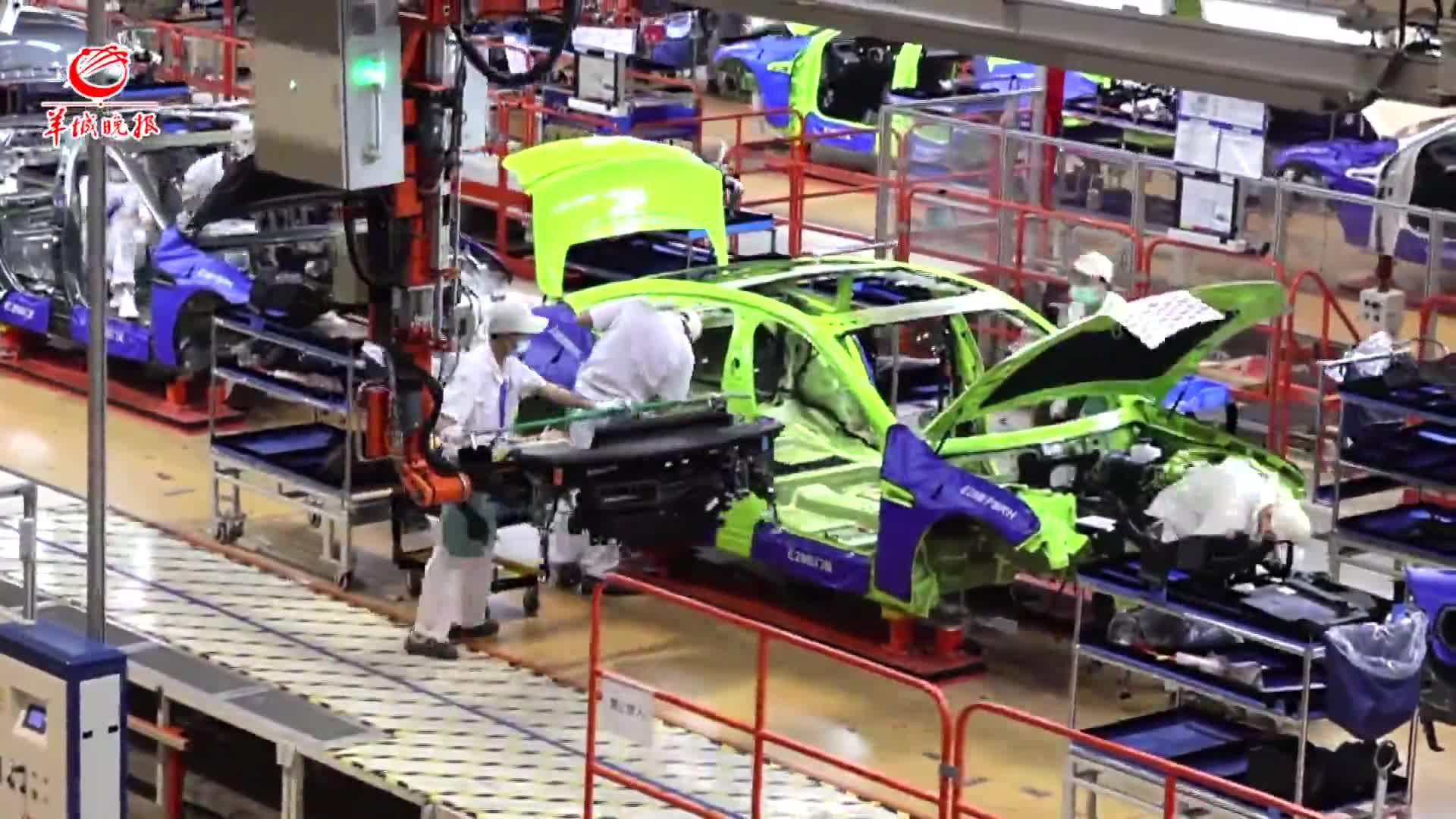 【视频】大湾区 大未来 | 326台智能机器人参与小鹏汽车生产线