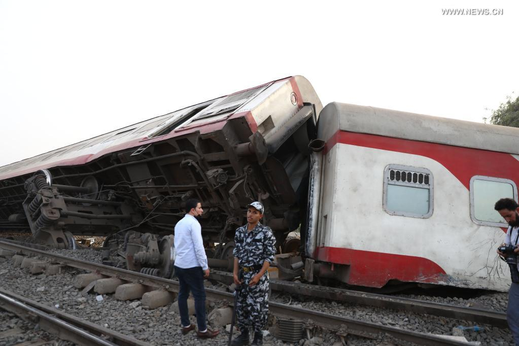 11 passengers killed in Egypt's train derailment: ministry