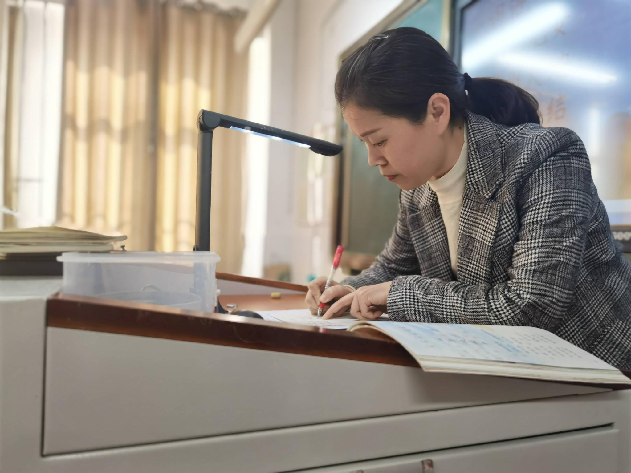 南通路小学许玮:在一所有温度的学校里,做一名有温度的老师