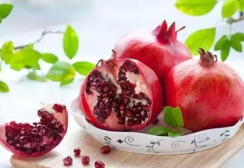 水果中不太好扒的石榴和山竹,在吃法上有没有什么特殊的?