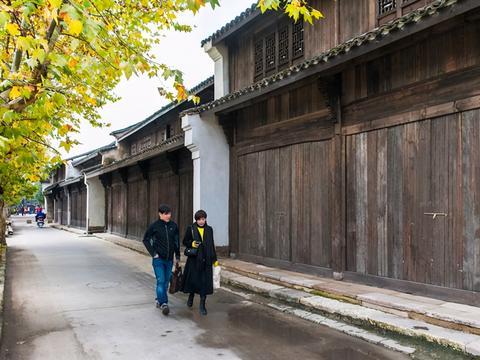 江南最小众古镇之一,连接着南北方水陆交通,被丰子恺誉为佳丽地