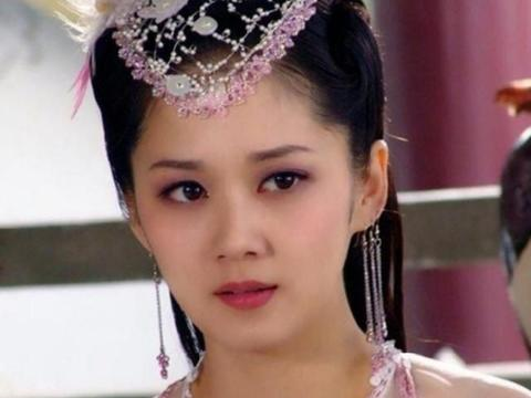刁蛮公主15年后,女一女二都没了消息,打酱油的她如今却大红大紫
