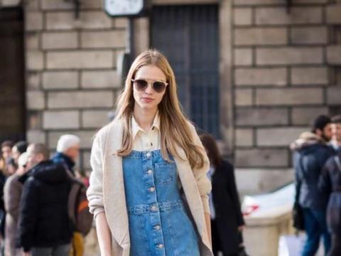 """牛仔裙的4种搭配,找一个完美的词来形容身材,""""肥而不腻"""""""