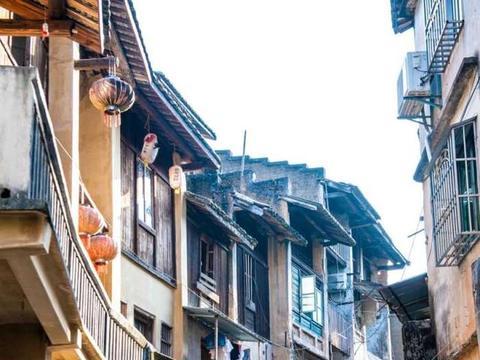 """广东有个千年历史的商贸古镇,至今保留完好,有""""小香港""""之称"""