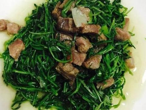 美食推荐:松柳苗炒腊肠,小炒牛肉条,黑木耳炒冬笋,椒炒鸡胗