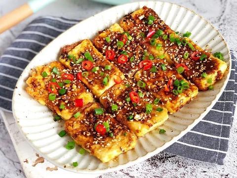 香辣脆皮豆腐:不炒不炖不用烤箱,外酥里嫩香辣过瘾!