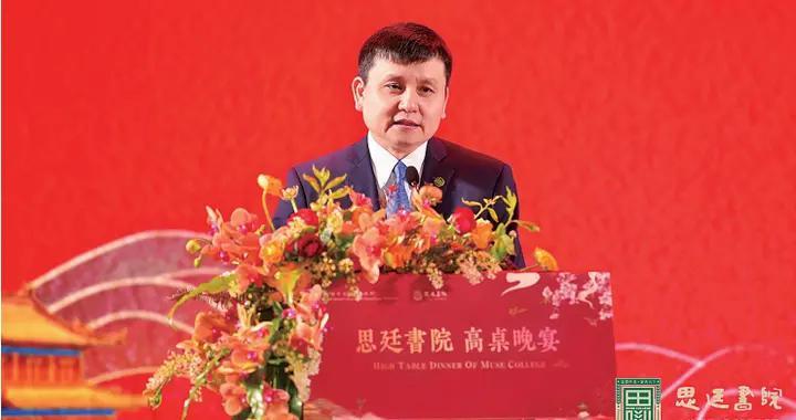 张文宏教授龙岗演讲:青年应具备开放、包容和谦卑的品质