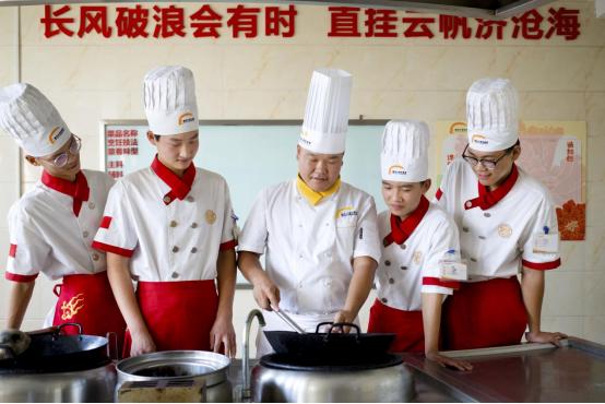 为何学烹饪的同学在职场这么受欢迎?