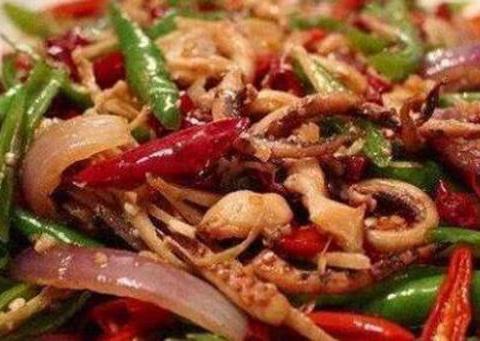美食推荐:泡椒炒猪腰,酱香鱿鱼须,炒板筋,葱爆羊肉的做法