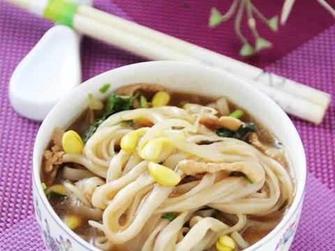 美食精选:菠菜厚蛋烧、清新大拌菜、小油菜炒木耳、爆锅面条