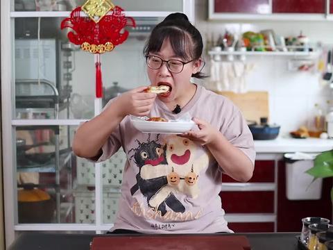 爆浆大鸡排:学会这个腌肉手法,鸡肉滑嫩不发柴,咖喱味浓超过瘾