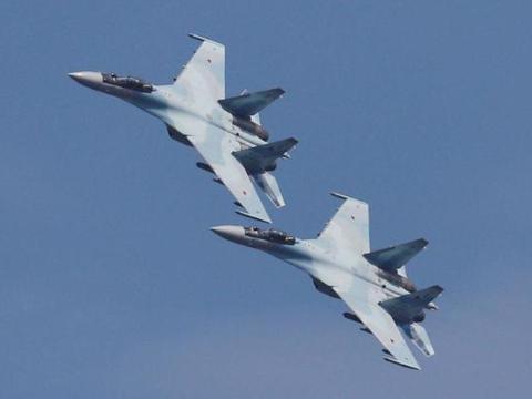 土耳其出动20架战机直扑叙俄军,大量防空武器被摧毁