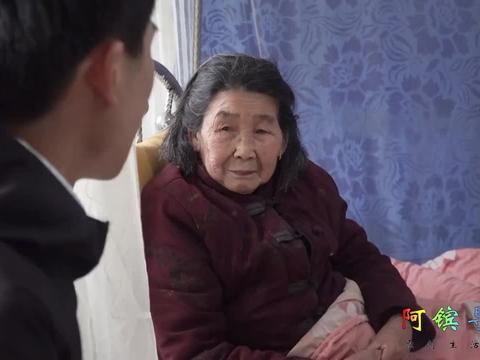 刚结婚儿媳提出分家,女婿上门接母亲离开,愿每个子女能善待老人