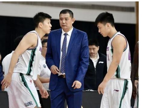 CBA季后赛,浙江一点强于辽宁,杨鸣能否在杜峰面前扮猪吃老虎?