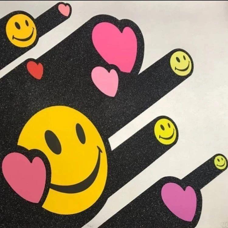壁纸 | 让人心情变好的潮流笑脸设计