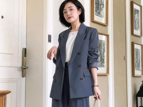 见过世面的女人,从不乱穿衣,简约的基础款单品也能穿出高级感