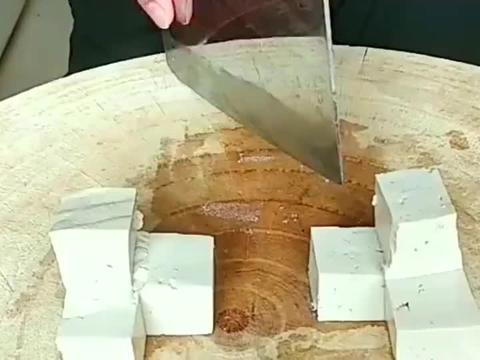 豆腐切成这样,是打算卖的更贵吗