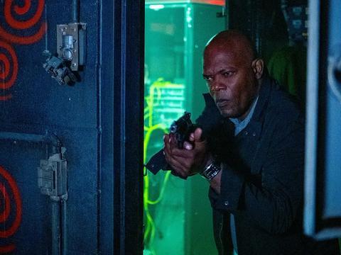 这部恐怖片终于来了!73岁塞缪尔杰克逊主演,血红漩涡代表什么