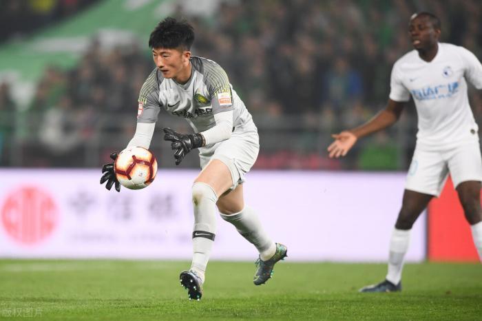 国安1比2输给申花,唯一人可昂首离开,如果没有他球队将会溃败