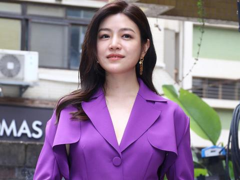 陈妍希,微微长胖了,她很有女人的风采