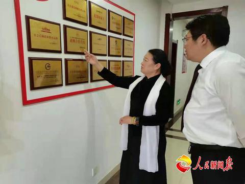 宋庆龄特型演员刘新星在泰安谈公益电影拍摄