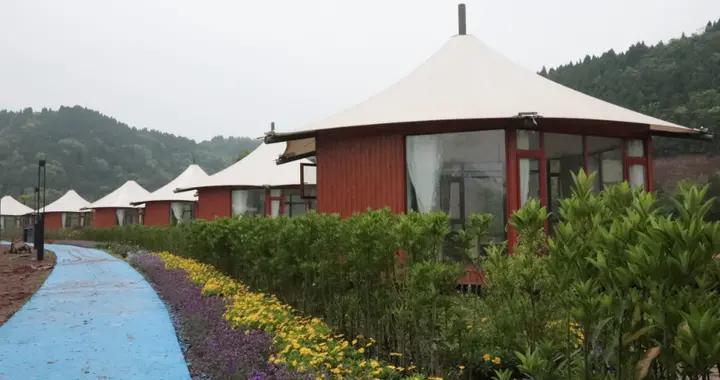 「海洋之心•酒店」湖畔星空帐篷酒店