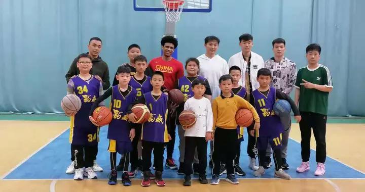 杨文海率队征战全运会,王汝恒陈培东现身篮球训练营