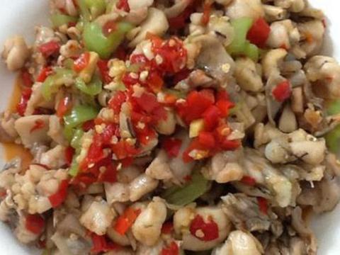 手撕茄子,爆炒麻辣鸡,剁椒田鸡,青椒炒豆皮的做法