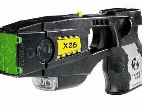 泰瑟电击枪:执法事故频发的美国,从未缺乏警用非致命武器
