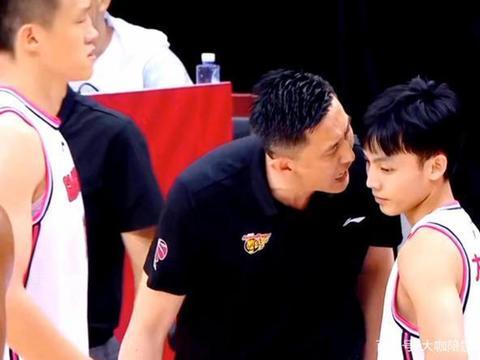 21岁广东天才成为季后赛功臣,尤纳斯看走眼