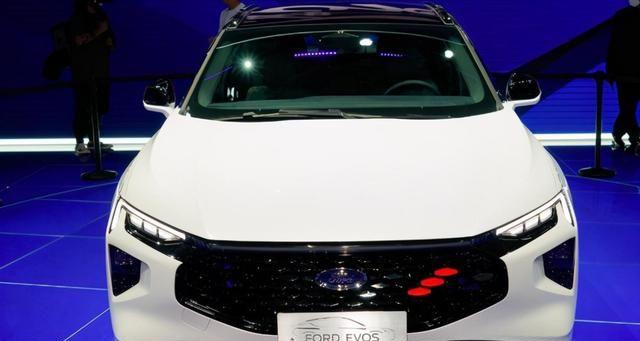 不输轿跑的外观,配有豪华1.1米屏,福特EVOS登场上海车展