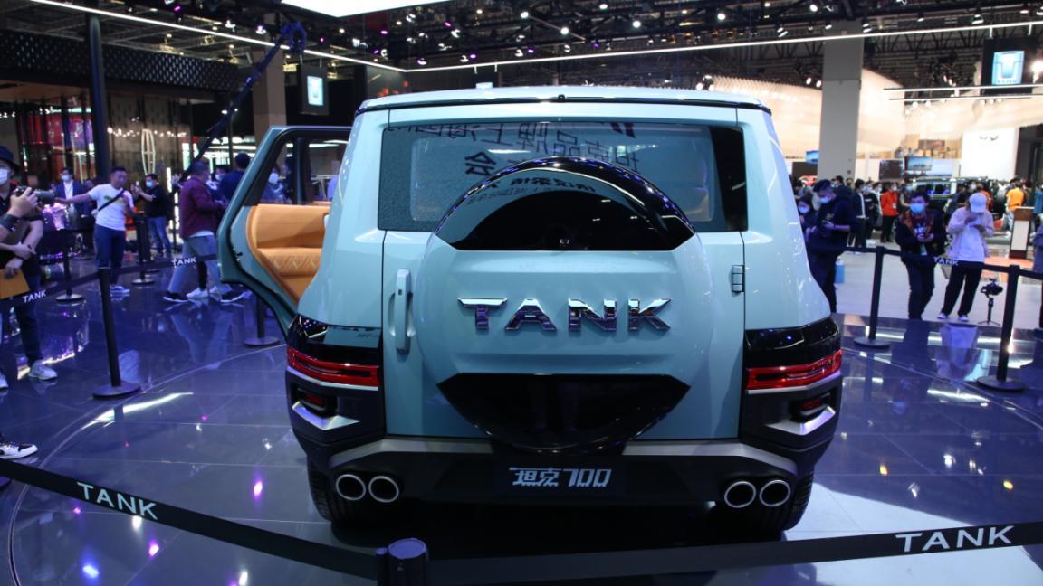 上海车展:它能比坦克300更火吗?实拍坦克700