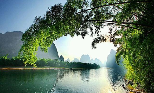古诗词中的桂林:江作青罗带,山如碧玉簪