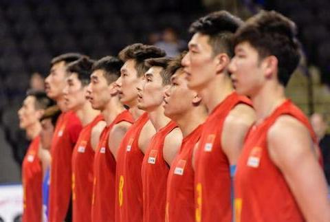 中国男排因经济原因主动放弃比赛,不如让吴胜接班郎平