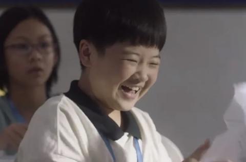 《小舍得》中,田雨岚花了那么多钱给子悠上课外班,一考试就发烧
