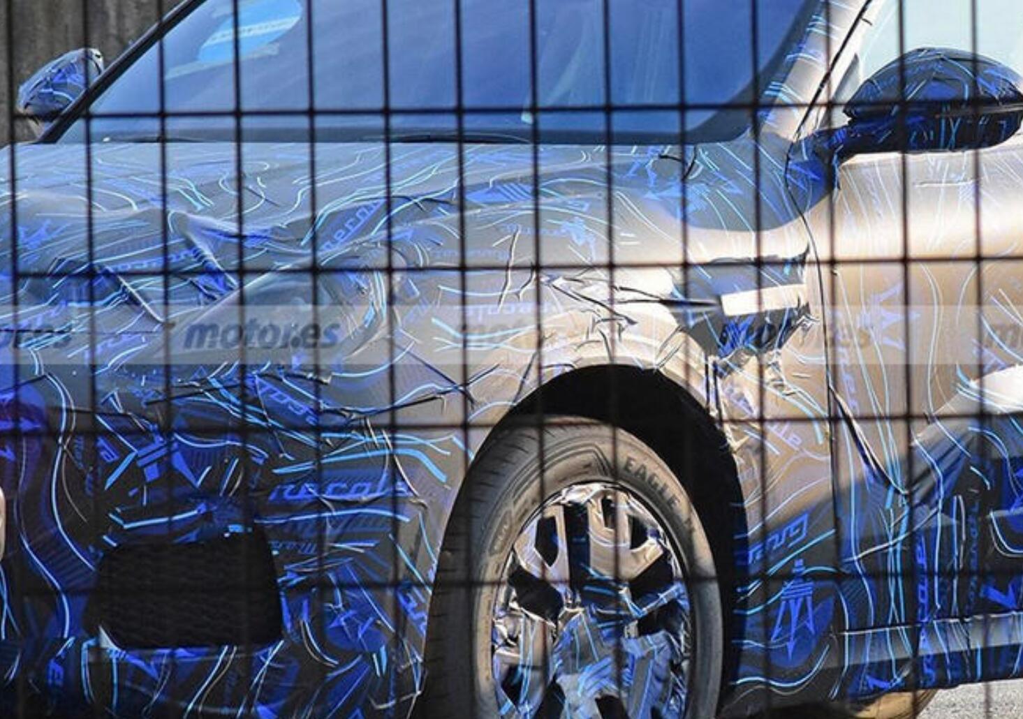 玛莎拉蒂全新中型SUV谍照曝光 最快于今年年底发布
