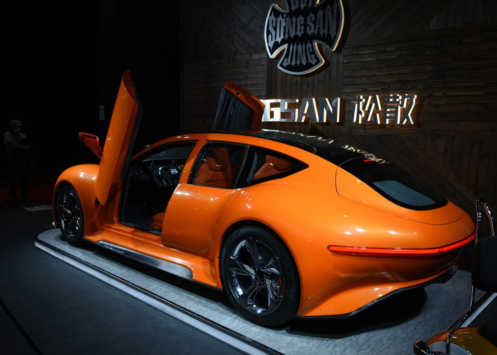 """史上最便宜的""""GT""""车型 29.8万 居然还有剪刀门"""