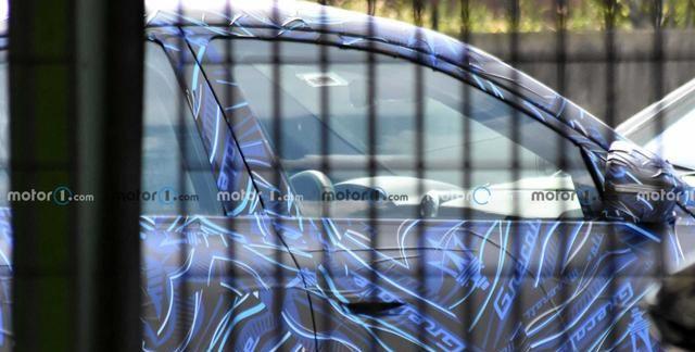 搭载双涡轮V6动力 玛莎拉蒂Grecale谍照