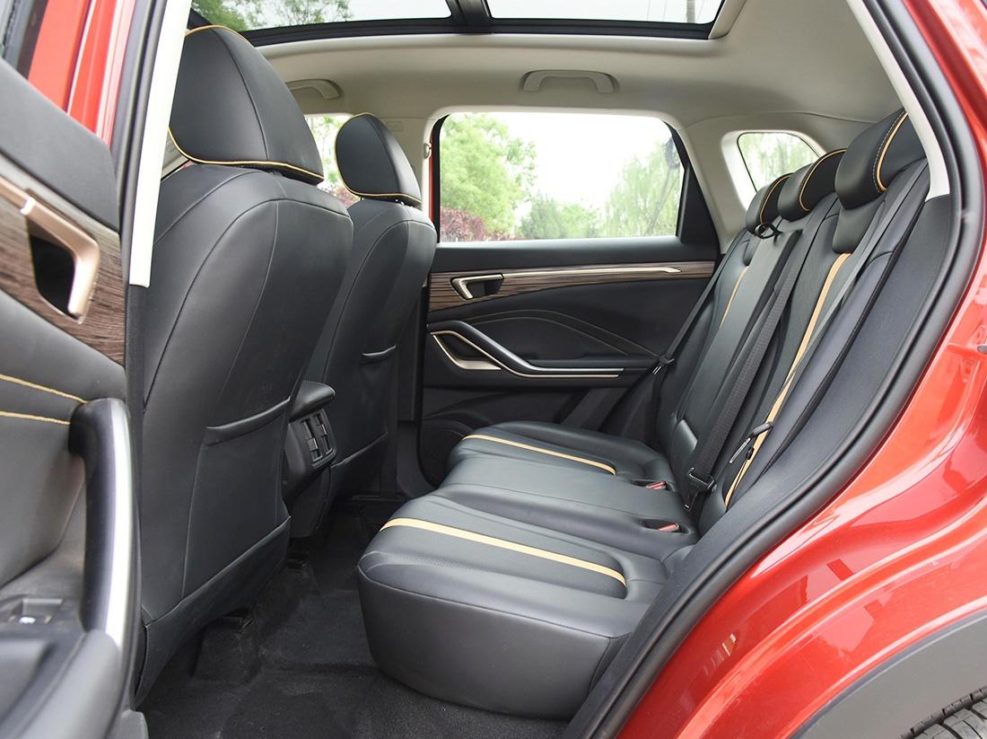 适合年轻人的SUV,一汽奔腾T55上市,外观很帅气,搭载1.5T动力