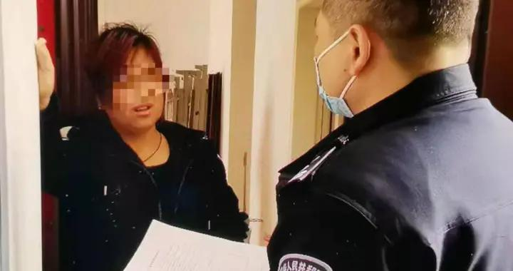 """""""你是哪里的警察?""""""""我是武汉的警察!""""江岸警方及时上门拦截冒充""""公检法""""电信网络诈骗"""