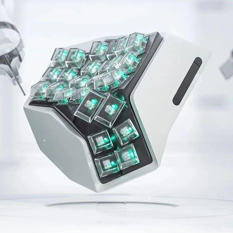 李楠再发布天价键盘:坚决不做性价比,售价过万,已经卖出100件