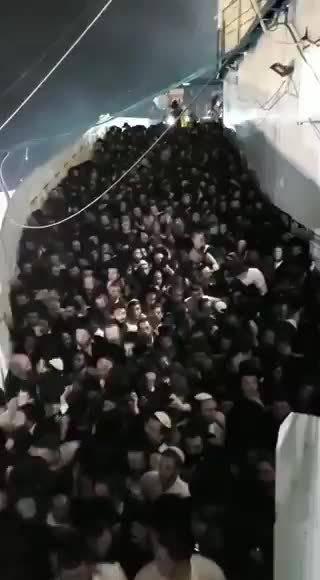 以色列篝火节发生踩踏事故 已致28人死亡