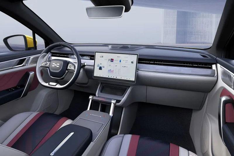 爱驰U6量产车型正式曝光 NEDC续航里程超650km