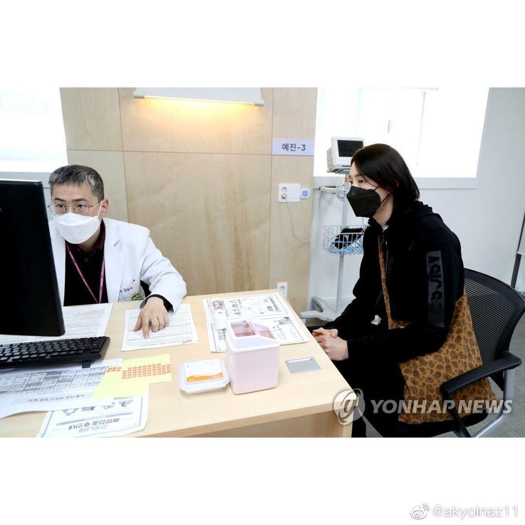 韩国 女排名将金软璟接种第一剂辉瑞新冠疫苗